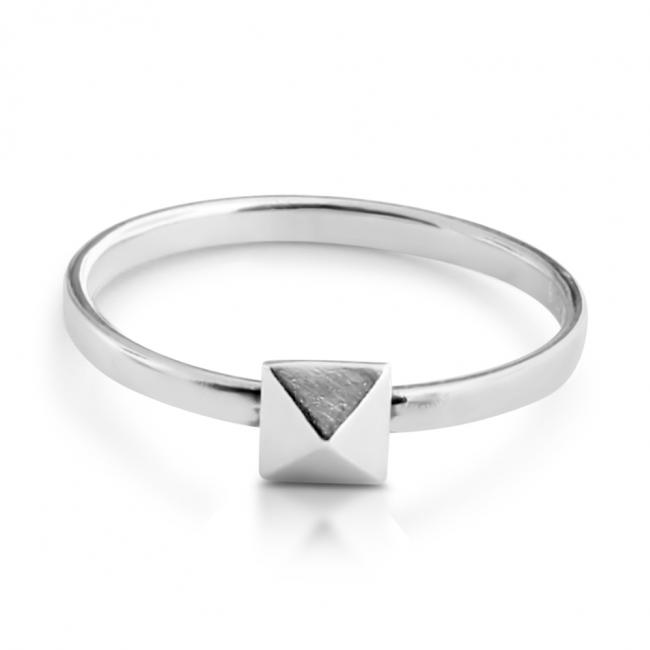 925 sterling silver ring Pyramid