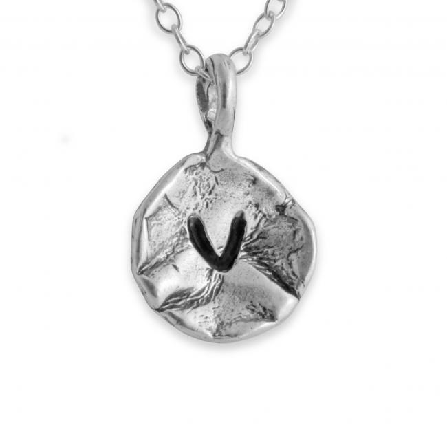 925 sterling silver necklace Letter V Passion Initial